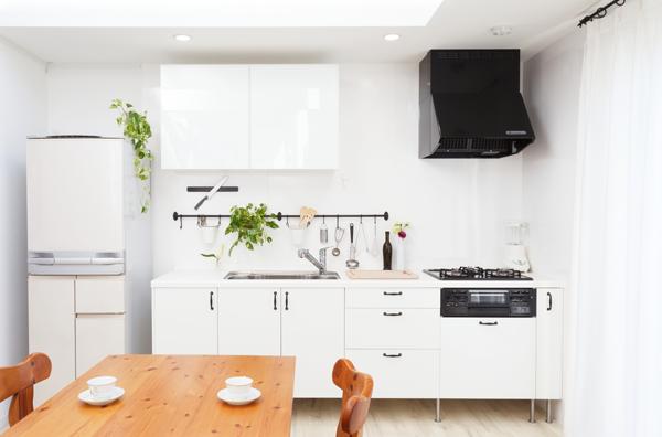 リフォームで昇降式吊戸棚を設置して使いやすいキッチンに