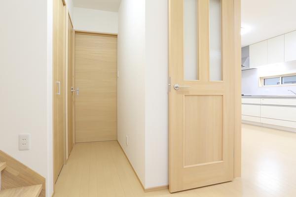 住み心地に直結! 室内ドアの種類やリフォームのポイントを知ろう